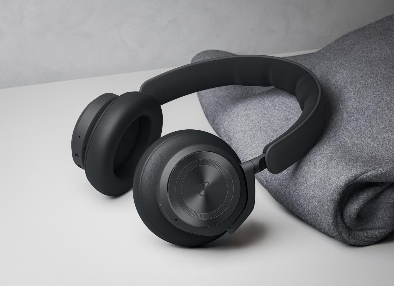 先声夺人 精益求精 Bang & Olufsen 推出全新无线头戴式降噪耳机 beoplay hx