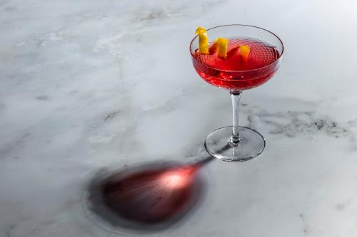 P:\Sales_and_Marketing\PR\The St. Regis Macao\Press Release\2021\F&B\Negroni\Photos\Low res\Sloe-Groni.jpg